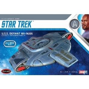 1/1000 USS Defiant NX-74205 (Star Trek: Deep Space 9)